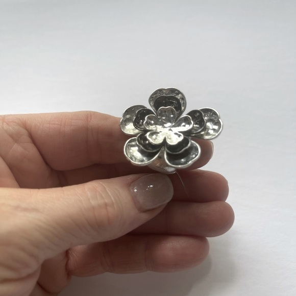 Elm Large Silver Layered Flower Ring